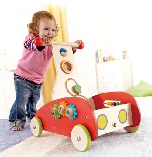 Dřevěné chodítko pro děti s pohyblivými knoflíky