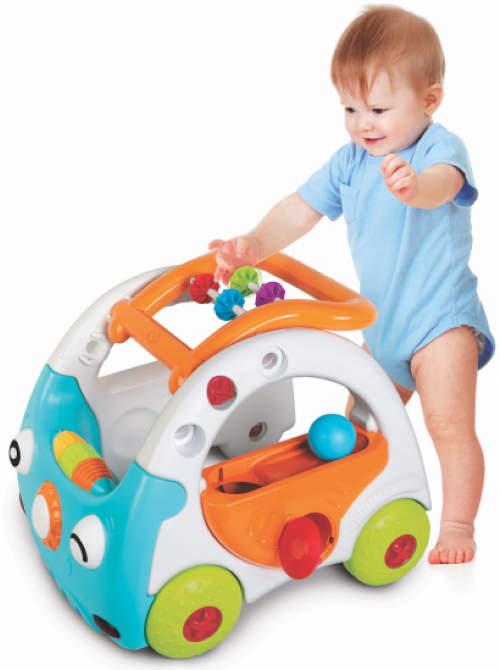 První dětské chodítko plastové auto